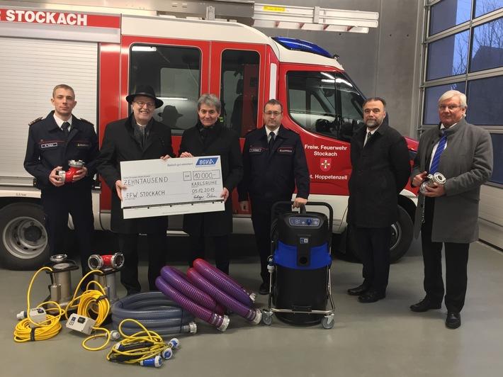Nikolausgeschenk für die Feuerwehr Stockach / Spendenübergabe des BGV