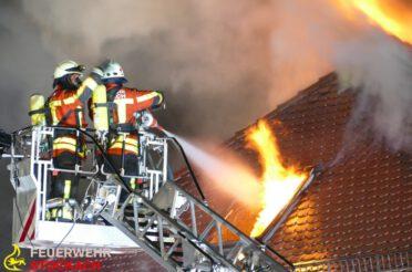 Gebäudebrand in Mahlspüren im Tal / Langwieriger Einsatz für die Feuerwehr Stockach