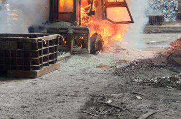 Fahrzeugbrand auf Werksgelände