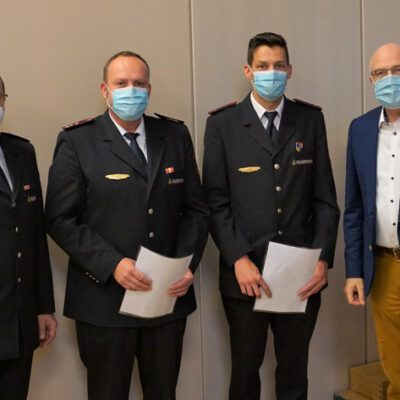 von links: Uwe Hartmann (Kommandant), Rüdiger Lempp (stv. Kommandant), Steffen Kuppel (stv. Abt.-Kommandant Wahlwies), Bürgermeister Rainer Stolz / Bild: Feuerwehr Stockach